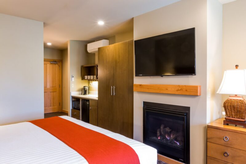 Fireplace and TV at the foot of your bed