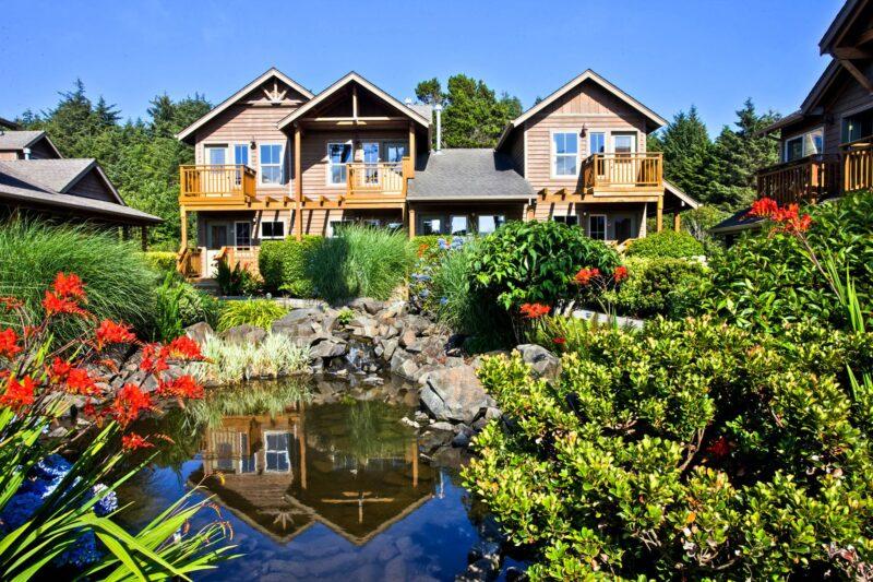 Inn at Cannon Beach hotel garden pond
