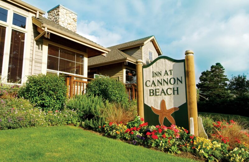 Inn at Cannon Beach front sign