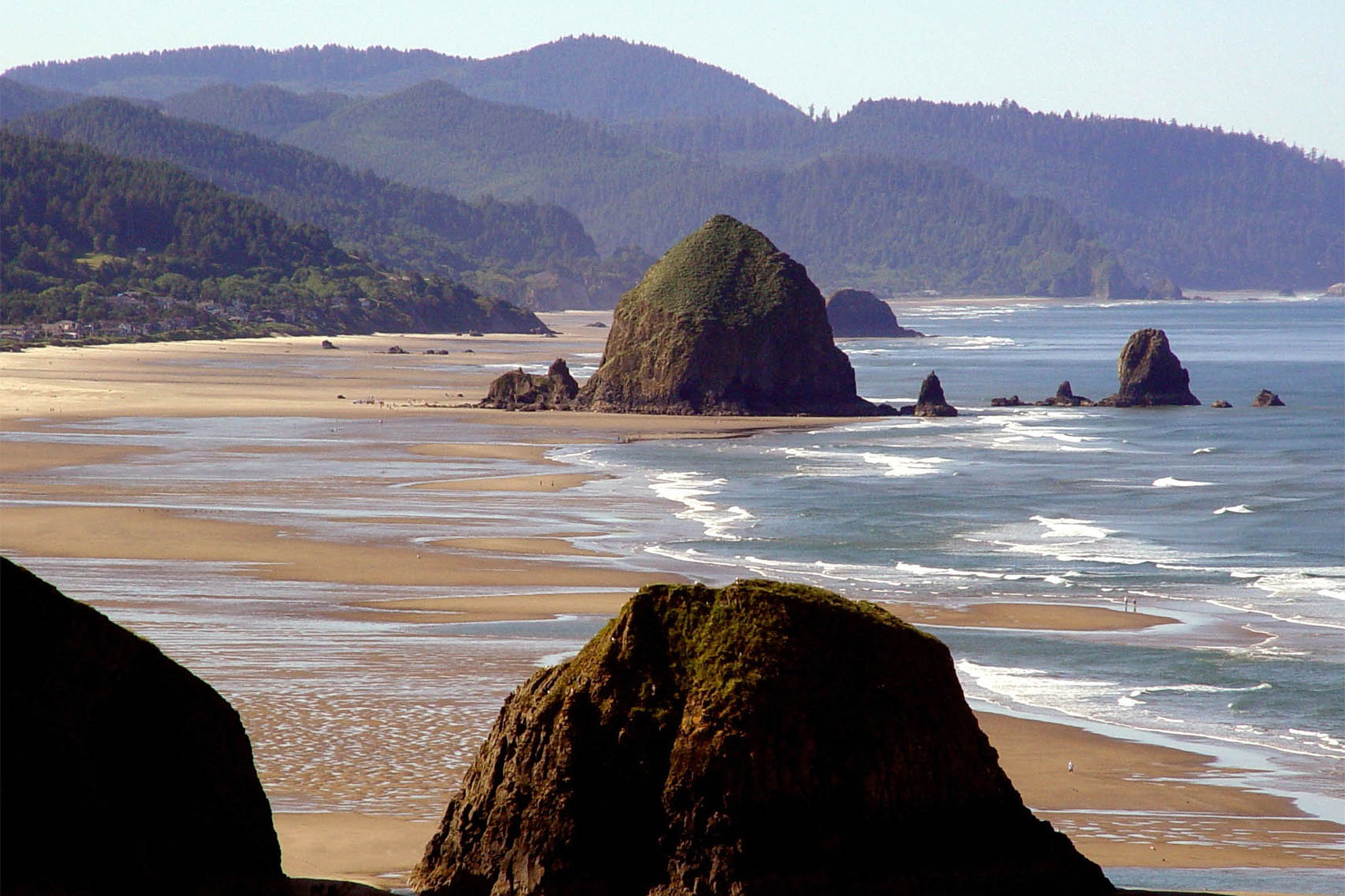 Low tide on the Oregon Coast at Haystack Rock